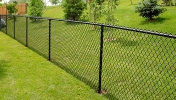 как сделать забор из сетки рабицы непрозрачным фото